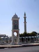 Uhrenturm und Moschee