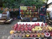 Eimermarkt, das runde Produkt links oben wurde mir als Turşu erklärt