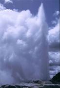 explodierender Geysir
