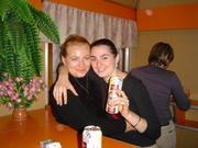 Olga und Mutter im Buffetwagen