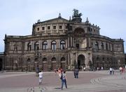 auf dem Heimweg: Semperoper in Dresden