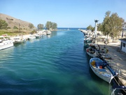 Fluss Almiros vor der Mündung