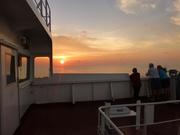 unsere tägliche Abendbeschäftigung:Beobachtung des Sonnenuntergangs